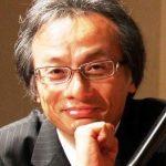 現 在、国内で最もオペラ指揮回数の多い指揮者の一人牧村邦彦は、大阪芸術大学演奏学科卒業後、ウィーン国立音楽大学指揮科にてO.スイトナー氏のもとで学 ぶ。大阪シンフォニカー交響楽団(現大阪交響楽団)指揮者として、91年から04年まで13年間にわたり活躍。他に京都市響、関西フィル、京都フィルとも 長く共演。海外でもグルジア国立アジャーラ交響楽団、ウィーン楽友協会ホールでアンバサーデ・オーケストラ・ウィーンを指揮する。